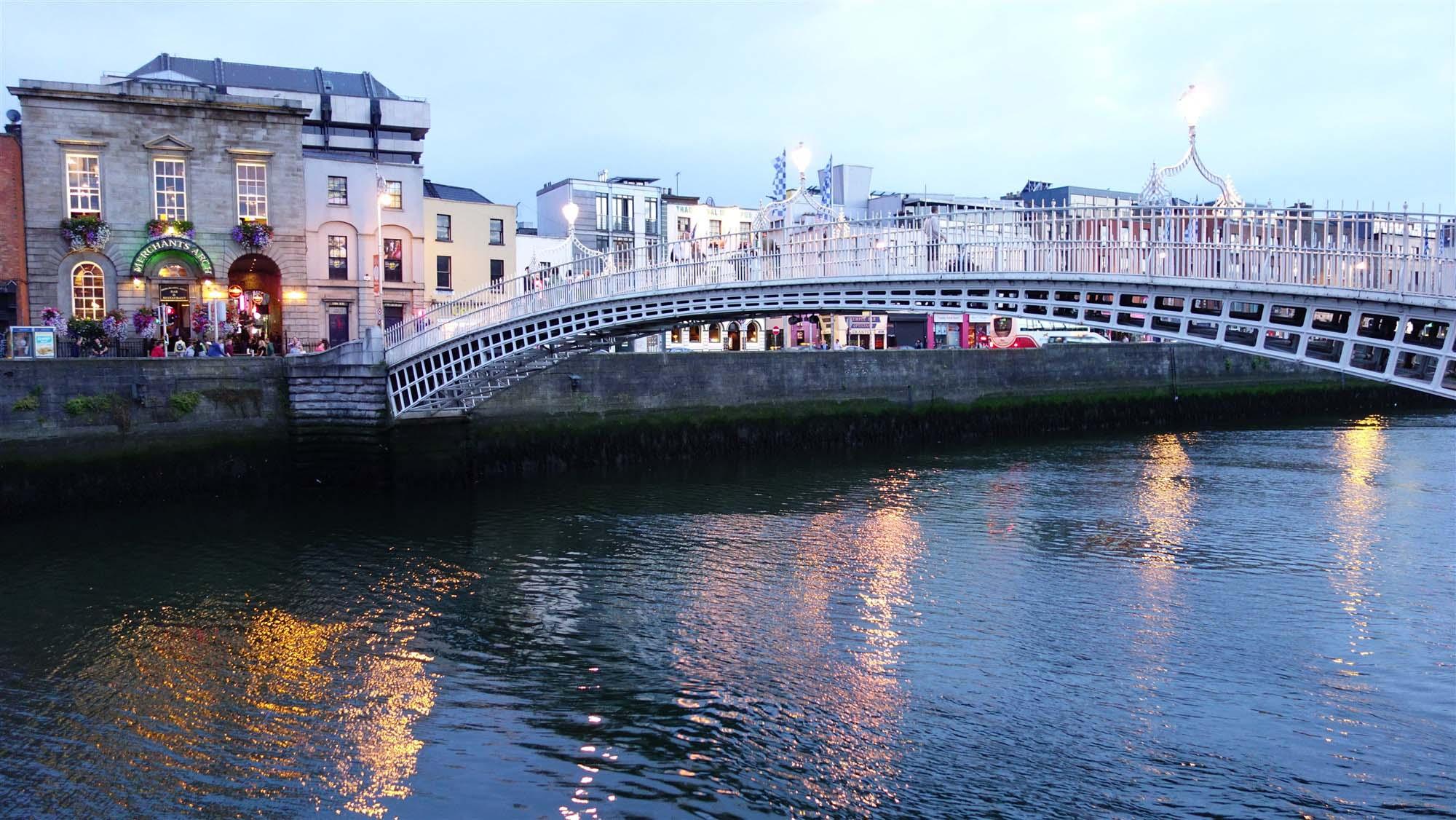 Halfpenny Bridge