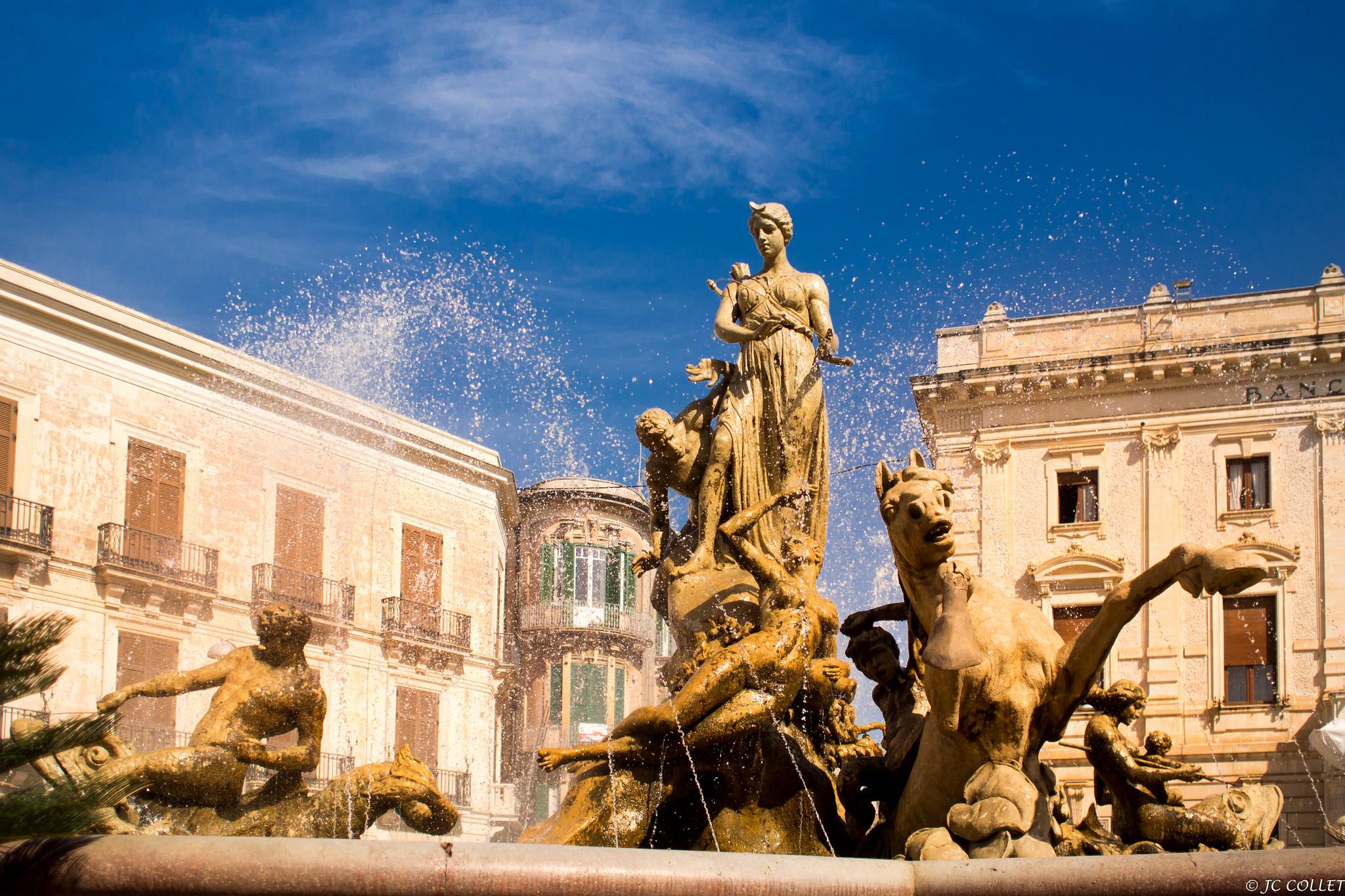 Piazza_Archimede - Fontana di Diana